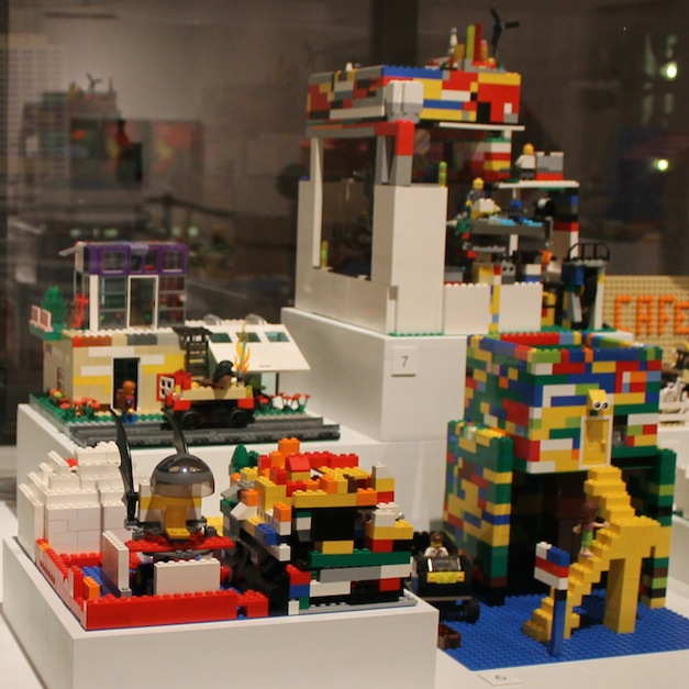 Announcing the 2016 LEGO Design Challenge